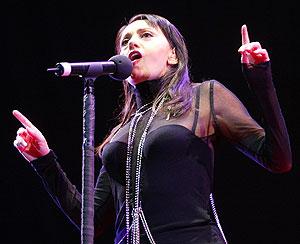 Luz Casal, en un concierto ofrecido en Madrid en 2004. (Foto: Carlos Barajas)