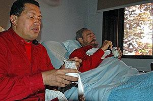 Fidel y Chávez en uno de los vídeos que se han difundido del lider cubano. (Foto: AFP)