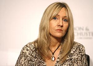 J.K. Rowling, en una rueda de prensa el pasado año. (Foto: AP)