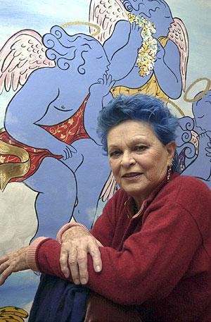 Fotografía de archivo, tomada el 4 de diciembre de 2003, de la actriz Lucía Bosé. (Foto: EFE)