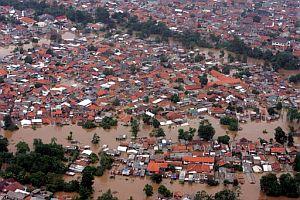 Vista aérea de un barrio residencial de Yakarta, Indonesia. (Foto: EFE)