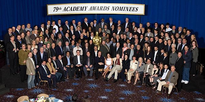 Foto de familia de todos los nominados tras el almuerzo. (Foto: AP)