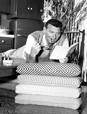 Le chanteur de votre appartement en 1956. (Photo: AP) / div>«> Le chanteur de son appartement en 1956. (Photo: AP) </p> </p></div> </p></div> </p></div> <div> <div> Mise à jour dimanche 18/02/2007 11: 27 (CET) </div> <div> <div><img loading=