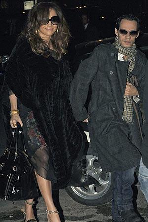 Jennifer Lopez y Marc Anthony, a su llegada a la presentación. (Foto: EFE)