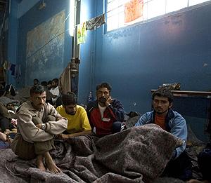 Inmigrantes asiáticos en Mauritania esperan ser deportados. (Foto: REUTERS)