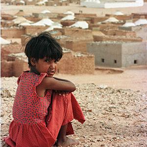 Una niña refugiada, en la ciudad de Tindouf. (Foto: Armando Franca).