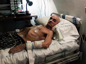 El etarra en su cama del hospital, en una imagen cedida por 'The Times'.