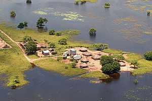 Imagen aérea facilitada por la ECHO de una zona afectada por las inundaciones en Mozambique. (Foto: AFP)