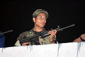 Un soldado guatemalteco hace guardia en la prisión de máxima seguridad de Cuilapa. (Foto: AFP)