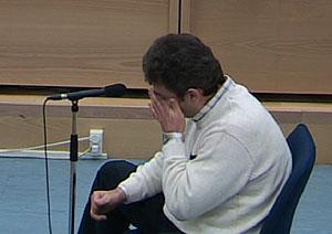 Mahmoud Slimane llora durante su interrogatorio.