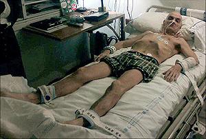 Imagen de De juana en el hospital publicada en 'The Times'. (Foto: 'The Times')
