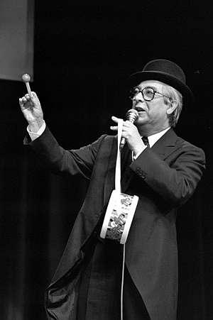 José Luis Coll, en una de sus actuaciones. (Foto: EFE)