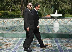 Mohamed VI pasea con Zapatero en el Palacio Daar Es Salam de Rabat. (Foto: EFE)