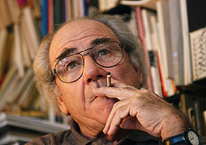 Jean Baudrillard, en 2001. (Foto: AFP)