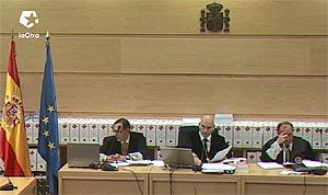 Parte del tribunal, con el presidente en el medio. (Foto: LaOtra)