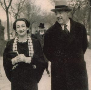 Ernestina y su marido, el poeta Juan José Domenchina.