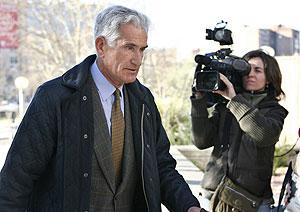 El ex secretario de Estado para la Seguridad Rafael Vera, a su llegada a la Audiencia de Madrid. (Foto: EFE)