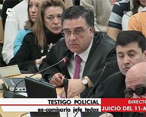 Una de las acusaciones y, al fondo, Pilar Manjón. (Foto: LaOtra)