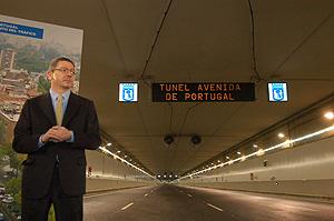 El alcalde Alberto Ruiz-Gallardón en la inauguración del túnel de la M-30. (elmundo.es)