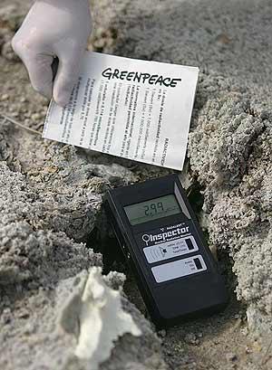 Los niveles de radiactividad son muy superiores a lo permitido. (Foto: Pedro Armestre/Greenpeace)