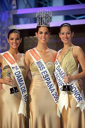 Natalia Zabala, Miss España 2007, junto a la primera y segunda dama de honor, Miss Tenerife (dcha) y Miss Vizcaya. (Foto: EFE)