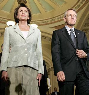 Los líderes demócratas en el Congreso, Nancy Pelosi y Harry Reid. (Foto: EFE)