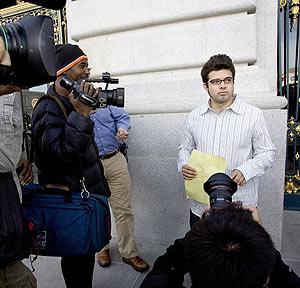 Josh Wolf, tras recuperar su libertad. (Foto: AFP)