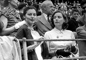 Ava Gardner (izquierda), en la Feria de Bilbao. (Foto: EFE)