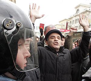 Kaspárov, durante la marcha. (Foto: REUTERS)