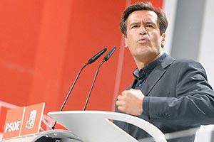 El candidato del PSOE a la presidencia de Canarias, López Aguilar. (Foto: EFE)