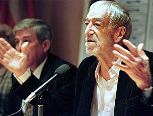 Vicente Ferrer durante un acto en Valencia. (Foto: EFE)