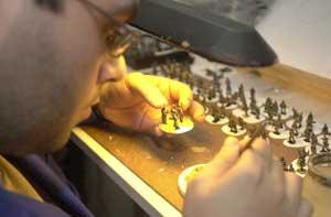 El laborioso proceso de creación de los soldaditos de plomo. (Foto: Gaztelu)