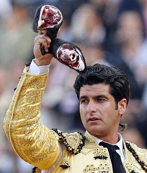 Morante de la Puebla cortó dos orejas a su segundo. (Foto: EFE)