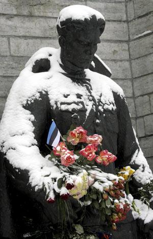 El monumento de la discordia. (Foto: EFE)