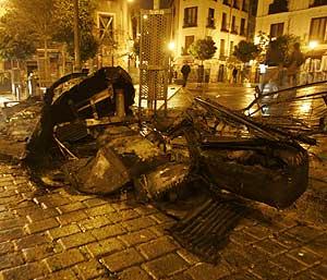 Defectos en los alrededores de la plaza del 2 de Mayo. (Foto: Antonio Heredia)