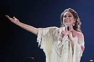Isabel Pantoja, durante un actuación. (Foto: EFE)