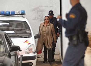 Isabel Pantoja al abandonar los juzgados. (Foto: EFE)