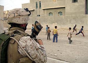 Un marine estadounidense en Bagdad. (Foto: AP)