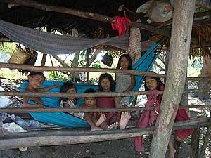 Algunos de los miembros de la tribu Piraha. (Foto: Daniel Everett)