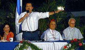 El presidente de Nicaragua, Daniel Ortega, habla durante el acto en Managua. (Foto: EFE)