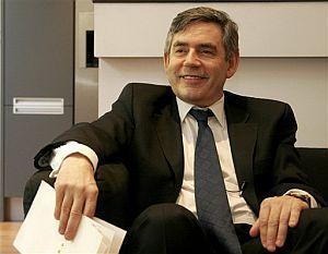 Gordon Brown, tras hacer oficial su candidatura. (Foto: AP)