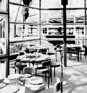 Interior del Pabellón español, en el año 1958. (Foto: Fundación COAM)