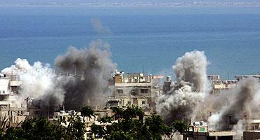 Bombardeo de Nahar al Bared. (Foto: AFP) MÁS FOTOS