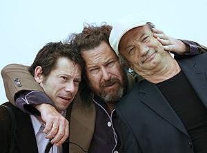 Julian Schnabel y sus actores, los franceses Patrick Chesnais y Mathieu Amalric. (Foto: AFP)