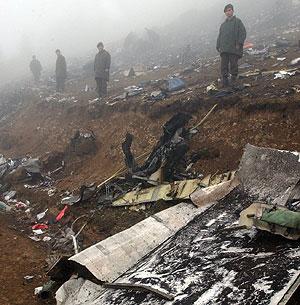 Fotografía tomada el 27/05/03 que muestra el lugar del accidente del Yak-42. (Foto: EFE)