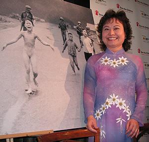 Kim Phuc, durante un acto en el Círculo de Bellas Artes de Madrid. (Foto: M. A:)