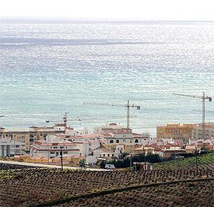 Vista de la Costa de Manilva, en Málaga. (Foto: J. Domínguez)