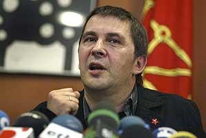 Arnaldo Otegi, en rueda de prensa en San Sebastián. (Foto: REUTERS)