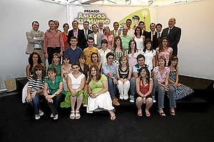 Los premiados, junto a algunos de los miembros del jurado. (Foto: Begoña Rivas)