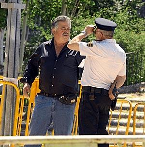 Javier González, 'El Dinamita', a la entrada de la Audiencia Nacional. (Foto: Kike Para)